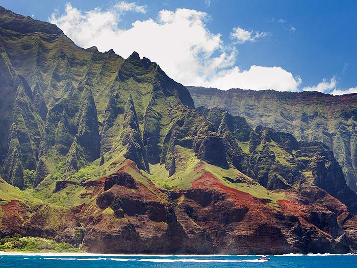 catamaran-napali-coast-kauai-cr-getty